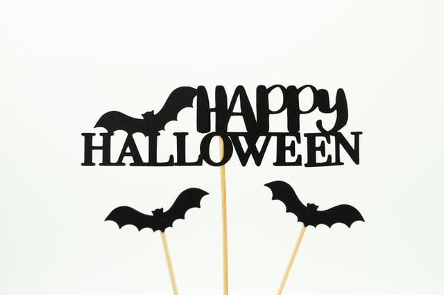5 Awesome Ways to Decorate Your Office For Halloween