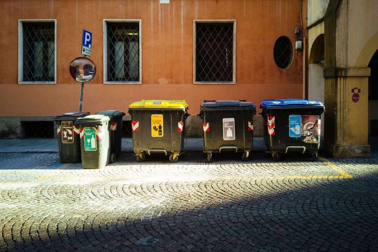 Roll Off Dumpster Services – Get Rid of the Unwanted Items
